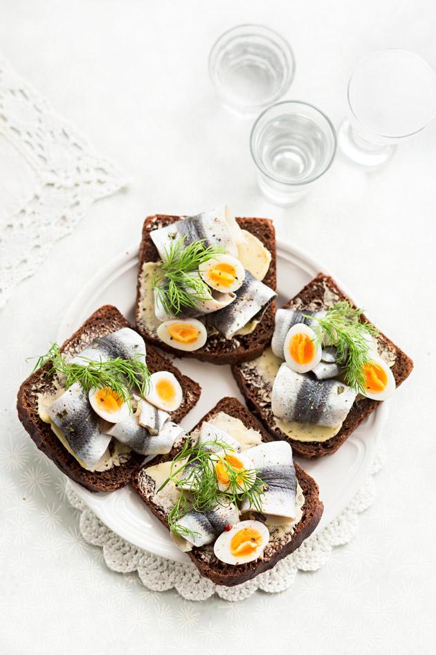 viiriäisenmuna-kalaleipä