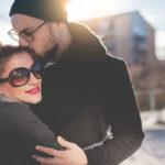 Kumppanin vajavaisuuden hyväksyminen, empatia ja arjen sietäminen pitävät rakkauden elossa.
