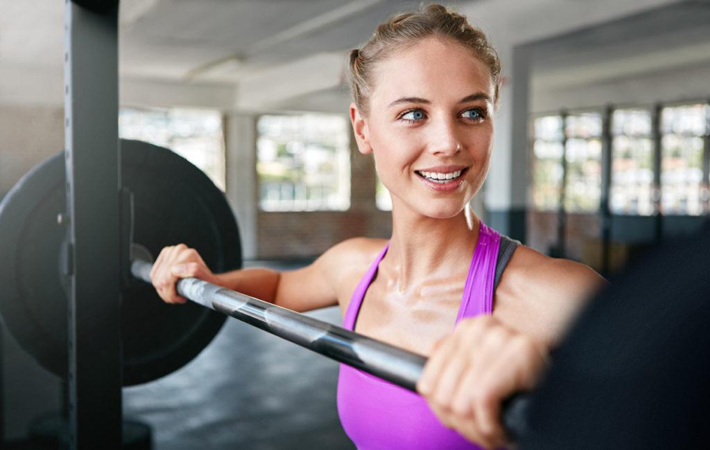 Mitä hyötyä voimaharjoittelusta on? 10 syytä, miksi lihaksia kannattaa vahvistaa