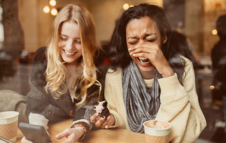 Mistä naiset todella puhuvat? Lue riemukkaat letkautukset