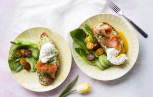Pääsiäismenu: lohi-munaleivät