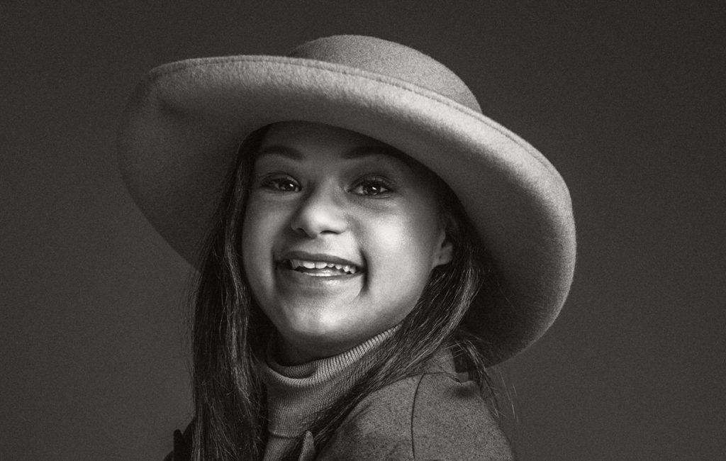 Jo maailmallakin tunnettu Down-malli Maija Mattila on yksi Oon upee -kampanjan kasvoista.