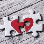 Uskottomuuden aiheuttama avioero koetaan usein erityisen kipeänä, ja se voi olla erittäin riitaisa.