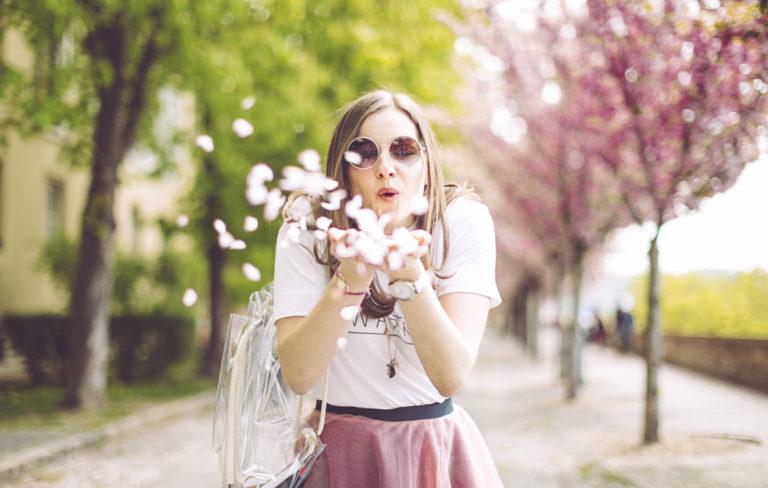 Haluaisitko olla onnellisempi? 5 onnellisuusohjetta, jotka tutkitusti toimivat