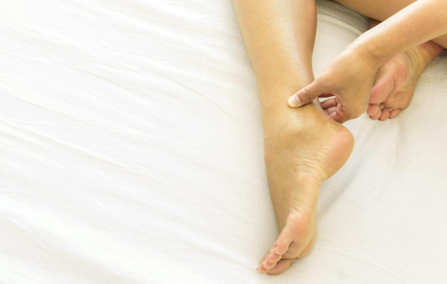 jalkojen turpoaminen