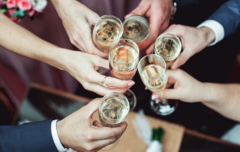 Alkoholittomat kuohuviinit ja kuohujuomat testissä