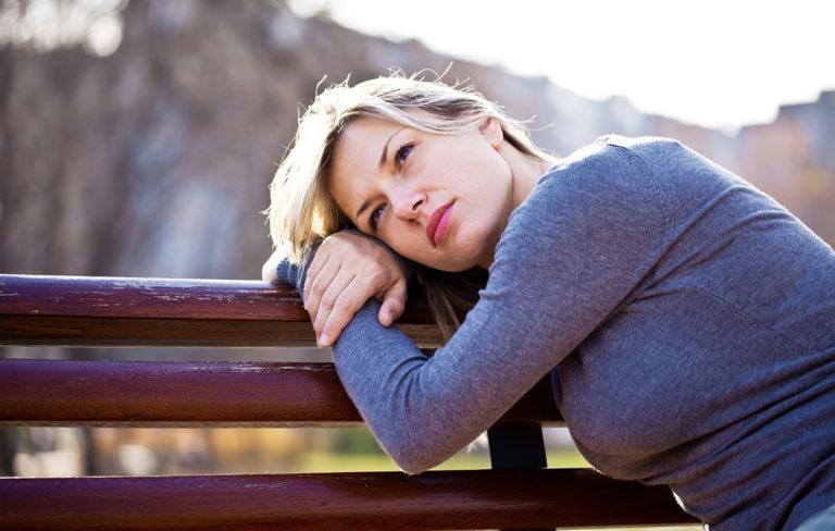 Käsittelemätön ero voi aiheuttaa psyykkisiä ja fyysisiä ongelmia – näin käsittelet eron oikein