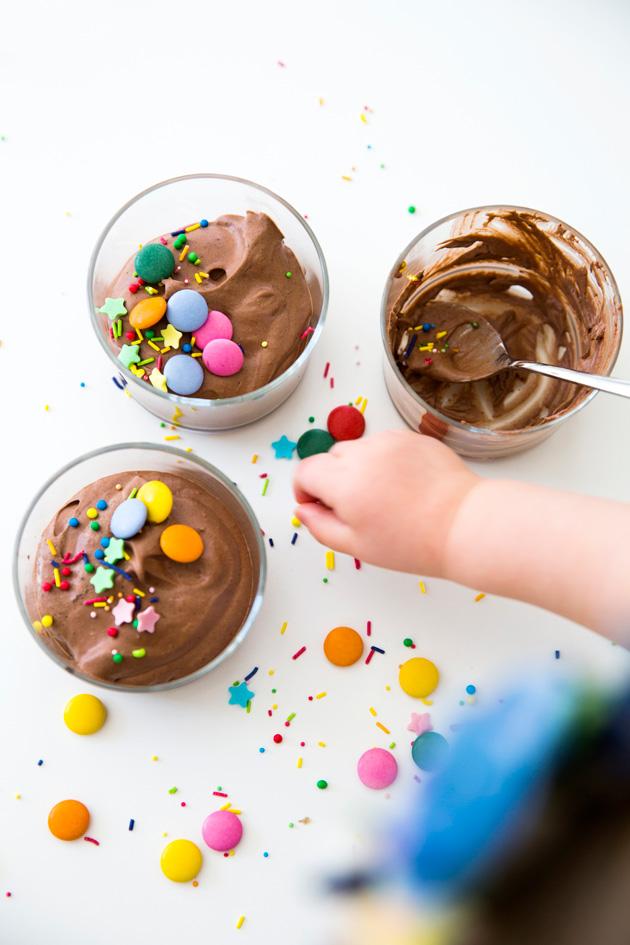 kahden aineksen suklaamousse