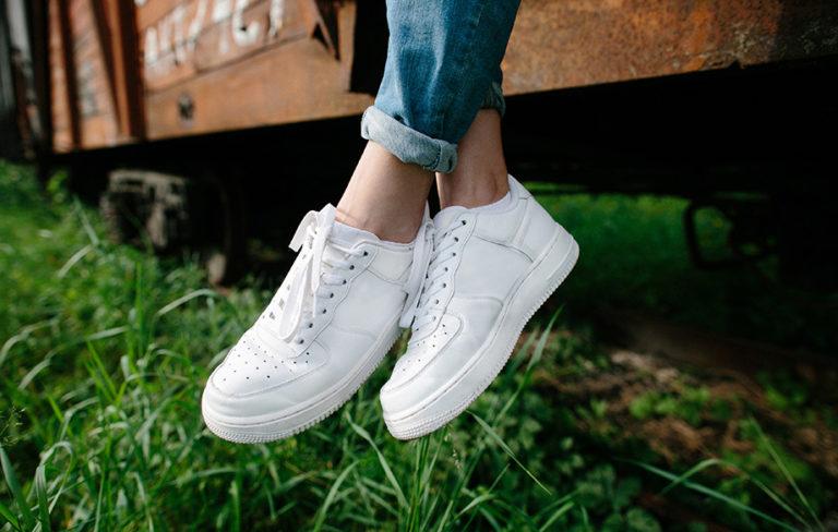 Miten pitää valkoiset kengät puhtaina