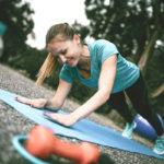 Liikkuva lankku vahvistaa paitsi keskivartaloa myös käsivarsia.
