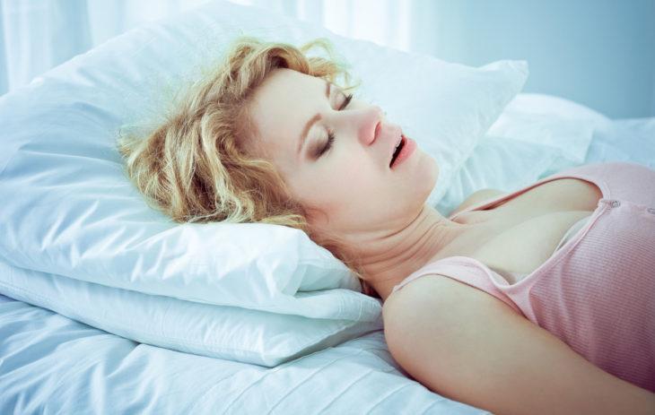 Kuorsaatko? 7 asiaa, jotka kuorsaaminen voi paljastaa terveydestäsi