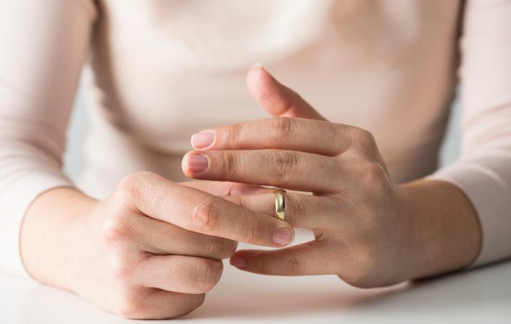 Suomalaisnaiset kertovat, miltä narsistista eroaminen tuntuu