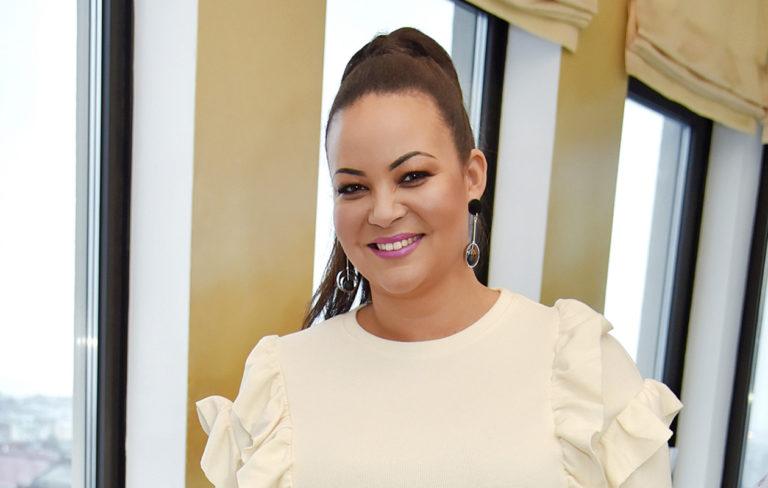 """Lola Odusoga täytti vuosia: """"41-vuotiaana elämä on aika ihanaa"""""""