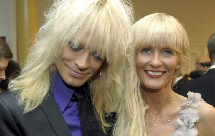 Pari esiintyi ensimmäistä kertaa julkisesti yhdessä vuonna 2011 Linnan juhlissa.