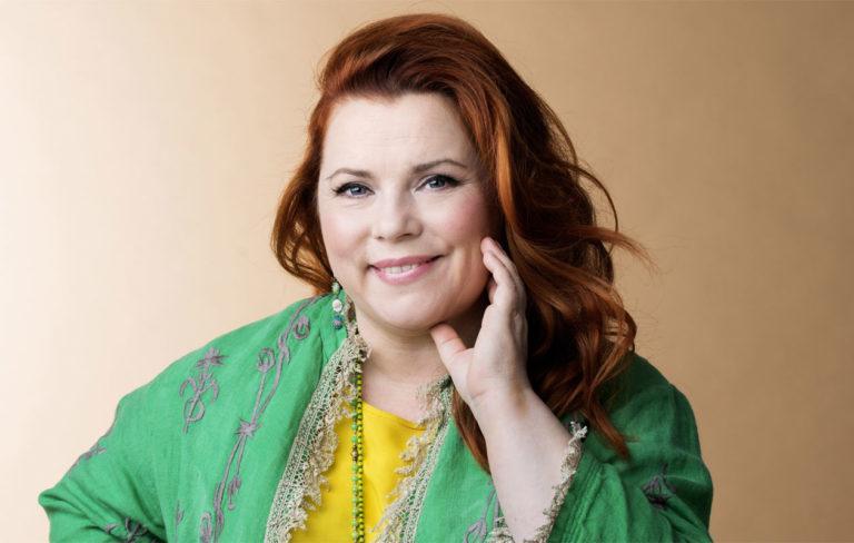 Kiti Kokkonen julkaisi äidistään Titta Jokisesta nostalgisia kuvia.