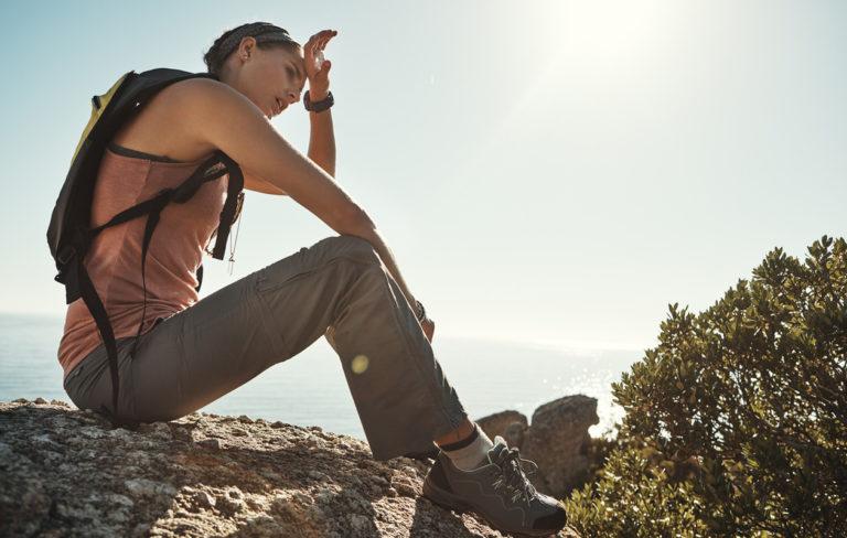 Auringonpistos vai lämpöhalvaus? Tunnista lämpösairauksien oireet ja hoida ne oikein