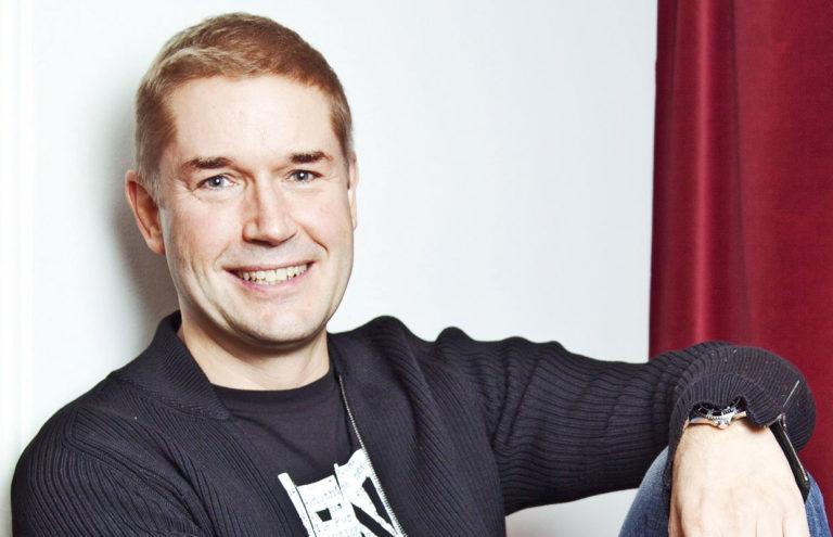 Marco Bjurström ikävöi ystäväänsä Hanna-Riikka Siitosta.
