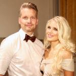 Lotta Näkyvä on yksi uusista Tanssii tähtien kanssa -kilpailijoista. Tanssin saloihin häntä opastaa Mikko Ahti.