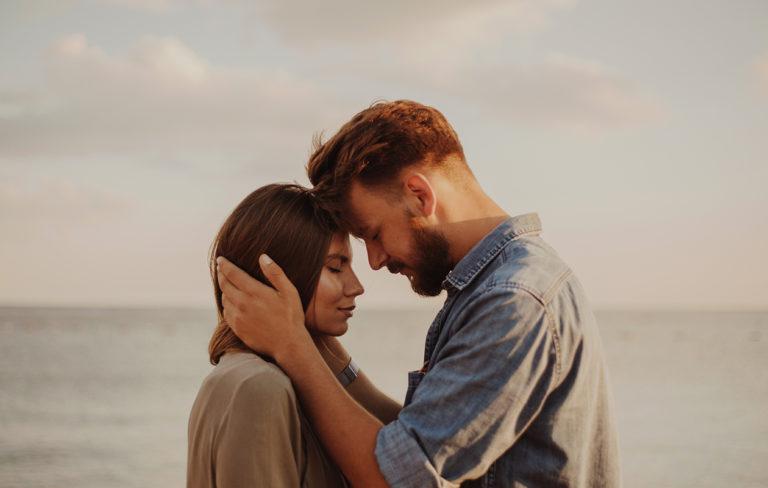 Haluatko viedä rakkautenne syvemmälle tasolle? Näin teistä tulee sielunkumppaneita