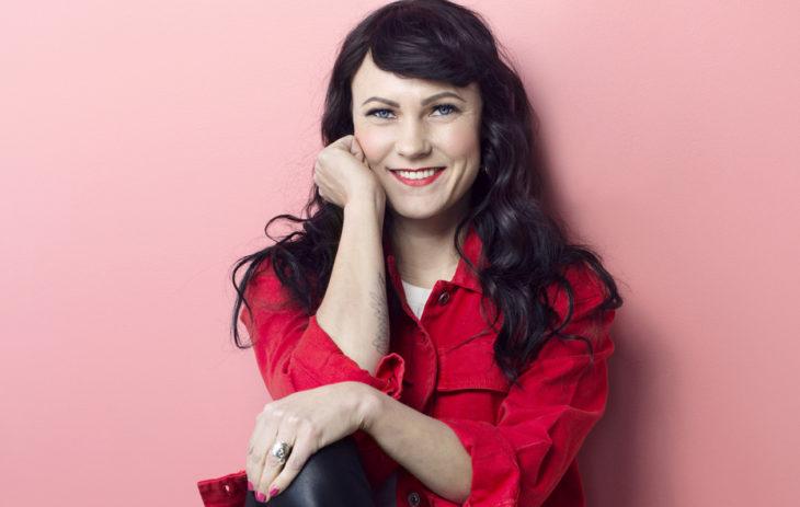 Laulaja Mira Luoti julkaisi uuden kappaleen ja musiikkivideon