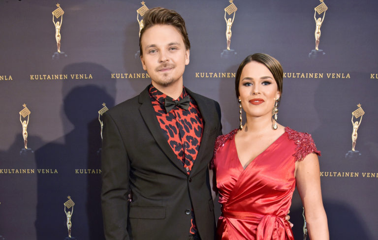 Roope Salminen ja Sara Sieppi ovat eronneet