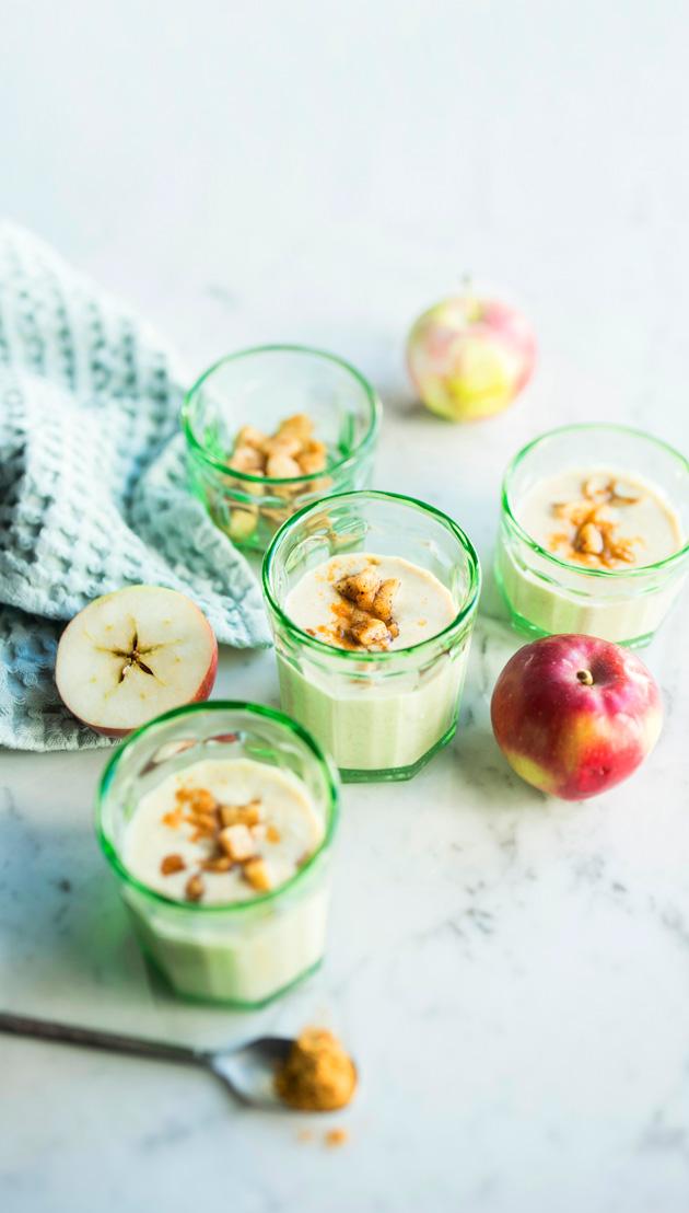 Omenapiirakan makuinen rahkasmoothie