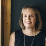 Mariette Lindstein halusi kirjoittaa skientologien keskuudessa kokemastaan aivopesusta dekkareita, joihin myös elämänvalintojaan pohtivat nuoret tarttuisivat.