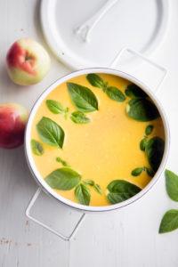 omenainen kurpitsakeitto