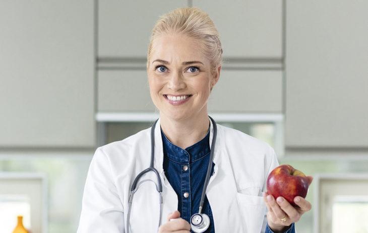 Pippa Laukka on Olet mitä syöt -ohjelman juontaja ja asiantuntija.