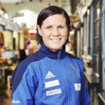 Mira Potkonen viettää kurinalaista urheilijan elämää. Vapaa-aikanaan hän nauttii perheen kanssa telkkarin äärellä löhöilystä.