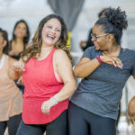 Tanssimisella on lukuisia positiivisia terveysvaikutuksia.