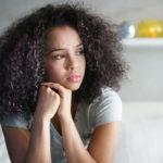Tunteiden ylitulkitseminen johtaa helposti siihen, että ongelmat, jos niitä alun perin edes oli, kasvavat entistä suurempiin mittasuhteisiin.