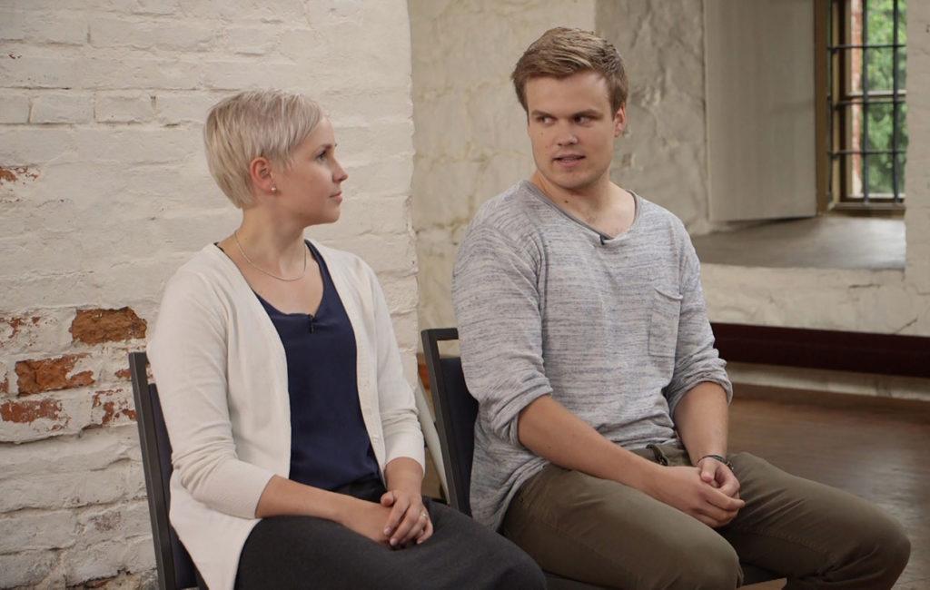 Ensitreffit alttarilla -pari Rosa ja Eetu päättivät erota.