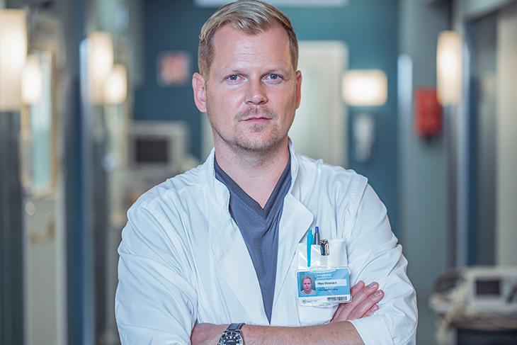 Antti Luusuaniemi näyttelee Syke-sarjassa sydänkirurgi Max Hanssonia.