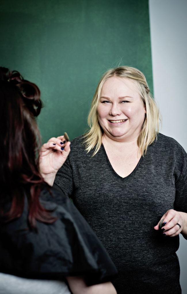Meikkitaiteilija Tintti Leppänen on loihtinut joka ikisen rouva Jenni Haukion Linnan juhlat -meikin.