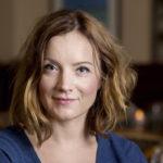 Vaikka näyttelijä Elena Leeven arki on kiireistä, työpaikalla teatterissa ei ole kiire.<br /> – Teatteri on paikka luovuudelle. Kun siellä on hyvä olla, myös kotona on rentoutunut olo.