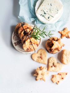 suolaisen makeat juustokeksit