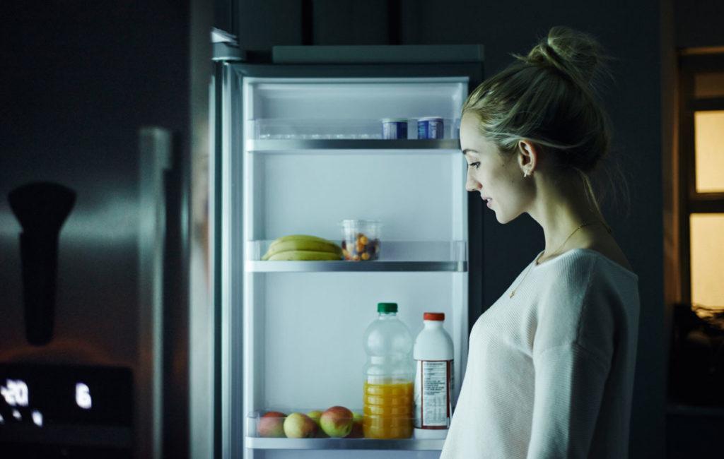 Yöpaaston eli unipaaston ideana on olla  yli 12 tuntia syömättä.