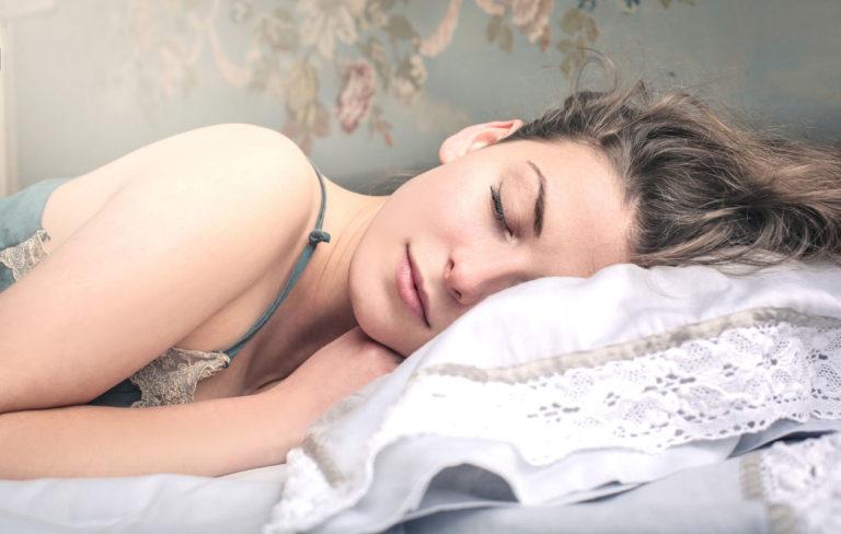 Nukahtaminen vaikeaa?