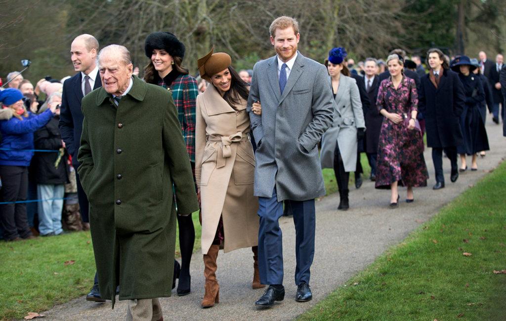 Prinssi William (vas.) ja herttuatar Catherine eivät kunkkukyykkää yhtä paljon kuin herttuatar Meghan ja prinssi Harry.