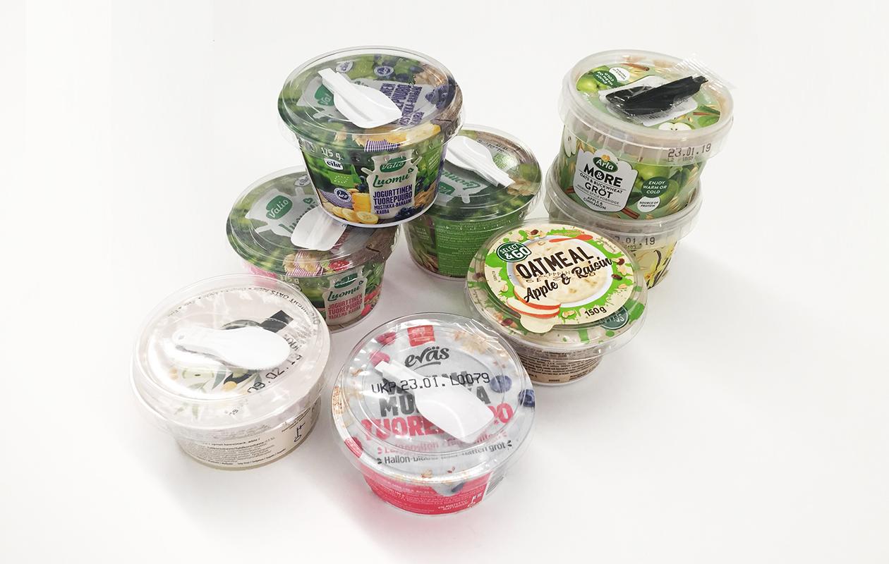 Raatimme maistoi tuorepuurojen lisäksi myös valmispuuroja, jotka voidaan nauttia kylmänä.
