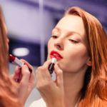 Punaisten huulten sanotaan kielivän itsevarmuudesta. Mitä muuta suosikkimeikki voi paljastaa?