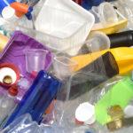 Runsas muovijätteen määrä ahdistaa monia.