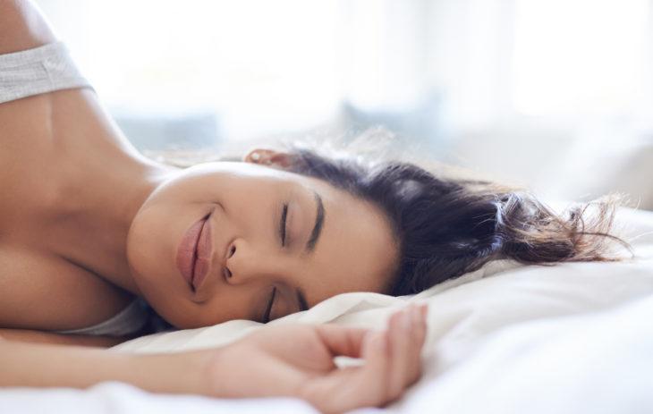 Seksuaalista itsetuntoaan voi vahvistaa monella tavalla, myös epäseksuaalisilla teoilla. Opettele pitämään puolesi ja kertomaan haluistasi arkisissa tilanteissa. Se helpottaa myös orgasmin löytämistä.