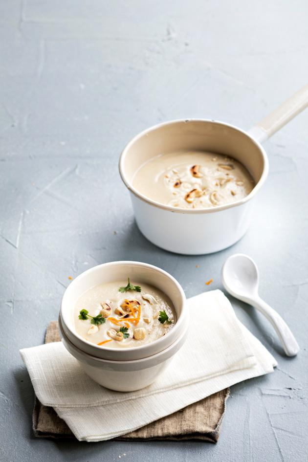 Kukkakaalista saa myös maukasta keittoa.