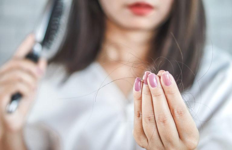 Päivittäin irtoaa hiuslaadusta riippuen noin 50–100 hiusta.