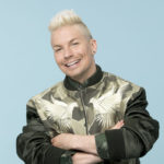 Sosiaalisessa mediassa Antti paljastaa olevansa erittäin tavoitteellinen ihminen. Tulevan suunnittelu tekee laulajan onnelliseksi.