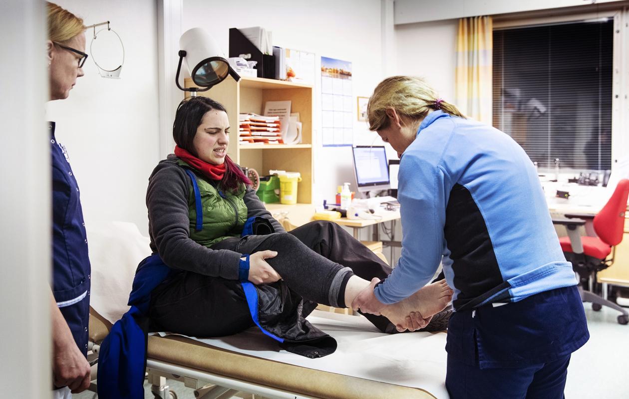 Ympärivuorokautinen lääkäripäivystys Ivalossa auttoi myös huskyvaljakkoon törmännyttä Giulia Eteriä.