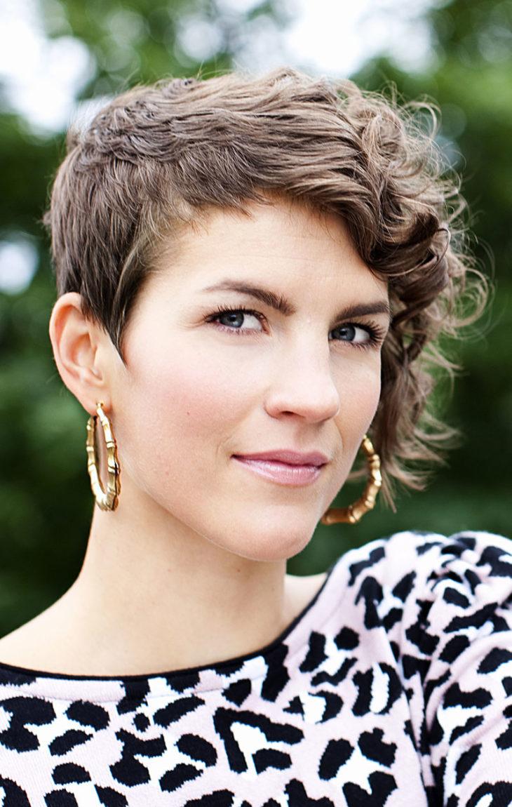 Maria Ylipään hiukset lyhentyivät vuonna 2010.