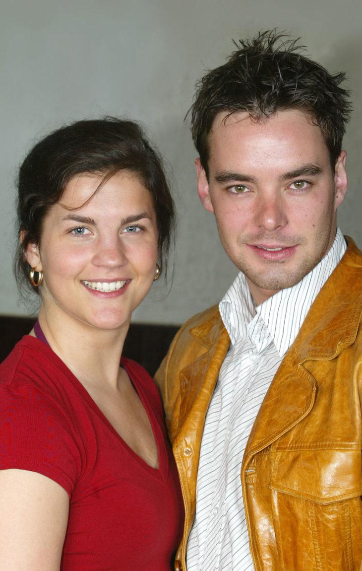 Maria Ylipään hiukset olivat vielä vuonna 2004 hyvin tavallisest. Vieressä Mikko Leppilampi